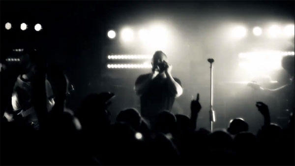 THE DILLINGER ESCAPE PLAN、最新ビデオ「Gold Teeth on a Bum」を公開!