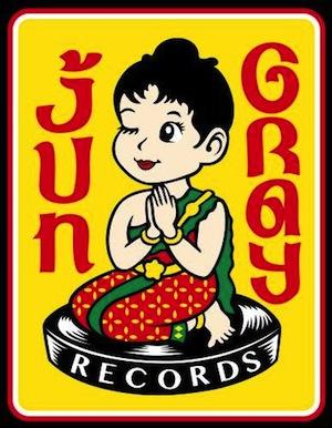 "PIZZA OF DEATH内レーベル""Jun Gray Records""がFLiP、FOUR GET ME A NOTS、tricot、Kenco Yokoyamaら参加のガールズ・バンド・コンピ盤を12/18にリリース決定!"