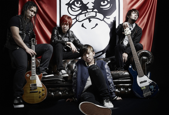 KNOCK OUT MONKEY、2/26リリースの1stアルバム『INPUT ∝ OUTPUT』の詳細発表!4月から開催する全国ツアーが全公演ワンマンに決定!