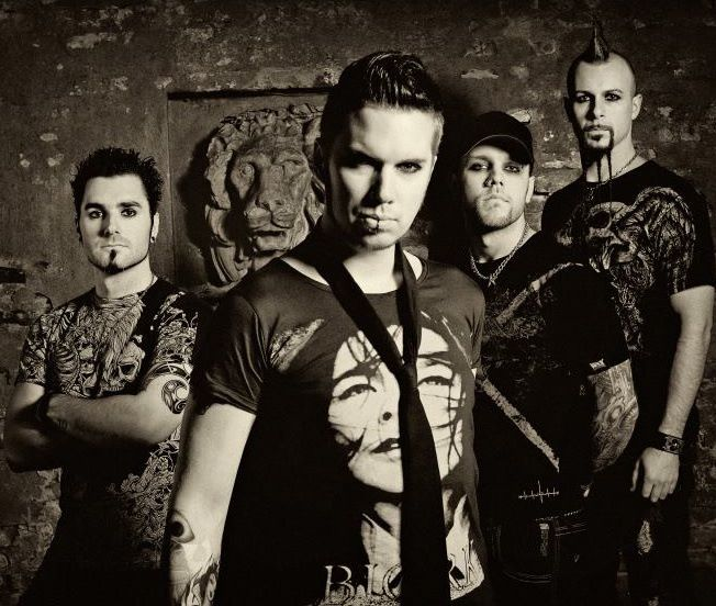 """スウェーデン発""""POPMETALPUNK""""を標榜するBLOWSIGHT、ドイツのインダストリアル・メタル・バンドOOMPH!のカヴァー音源「Swallow」公開!"""