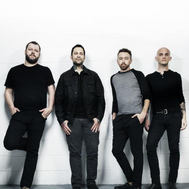RISE AGAINST、7thアルバム『The Black Market』より「People Live Here」のMV公開!