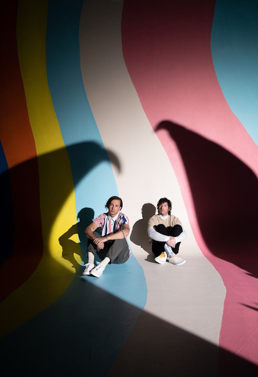 TWENTY ONE PILOTS、3年ぶりニュー・アルバム『Scaled And Icy』より第2弾シングル「Choker」配信&MV公開!