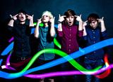 ラスベガスに続く!?エレクトロ/スクリーモ・バンド、THREE LIGHTS DOWN KINGSが明日リリースの2ndミニ・アルバムより「Feel This Moment」のMVを公開!