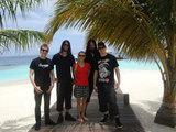 ARCH ENEMY、メタルバンドとして世界初!モルディブ公演は大盛況!