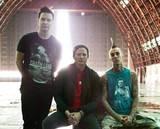 BLINK-182、クリスマスに新作EPをリリースすることを明らかに!