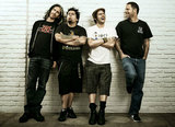 NOFX、シングル『My Stepdad's A Cop And My Stepmom's A Domme』を6/19にリリース!
