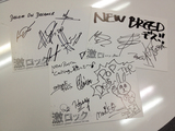 【豪華HPプレゼント更新】POP DISASTER、NEW BREED、DREAM ON,DREAMER!サイン色紙をそれぞれ抽選で1名様にプレゼント!
