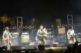 """GREEN DAYのBillie Joe Armstrong(Vo/Gt)、""""Coachella Festival""""で行われたTHE REPLACEMENTSのステージに参加!"""
