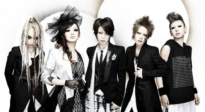 女性5人からなるロック・バンドexist†trace、2ndフル・アルバム『WORLD MAKER』のジャケット&最新ヴィジュアル公開!同アルバムの全曲試聴もスタート!