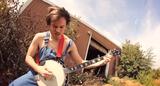 ウクレレ・メタル・カバーで有名なギタリスト Rob Scallon、SLAYERの「Angel Of Death」をバンジョーでカバーした動画を公開!