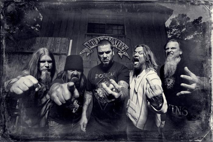 メタル界屈指の暴君 Phil Anselmo率いるDOWN、最新アルバム『Down IV Part 1&2』より「We Knew Him Well」のライヴ映像公開!