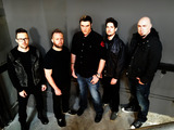 BREAKING BENJAMIN、活動再開後初のニュー・アルバム『Dark Before Dawn』が全米1位を獲得!