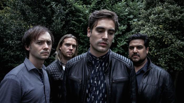 元BUSTEDのCharlie Simpson(Vo/Gt)率いるFIGHTSTAR、10/16リリースのニュー・アルバム『Behind The Devil's Back』より「Overdrive」のMV公開!