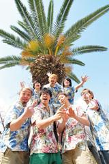 SABOTEN・PAN、スプリット・アルバム『TROPICAL PARK 2』リリースを記念して激ロックとのコラボ・グッズを発表!