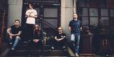 UK発の5人組メタルコア・バンド WHILE SHE SLEEPS、2ndアルバム表題曲「Brainwashed」のMV公開!