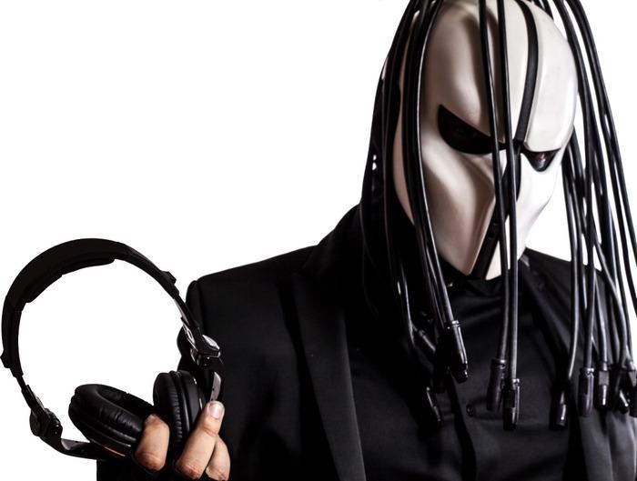 SKRILLEXミーツSLIPKNOT!? ベネズエラのEDMアーティスト ZARDONIC、デビュー・アルバム『Antihero』の日本盤が3/2にリリース決定!試聴動画も公開!