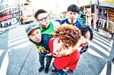 FEELFLIP、4/20にリリースするメジャー・デビュー・ミニ・アルバム『I DON'T KNOW MY WAY』のジャケット&収録曲「Laugh Away!!!」のMV公開!