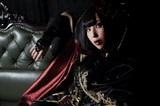 疾走感溢れるロックを可憐に舞い歌う女性シンガー 矢島舞依、明日6/1リリースの1stミニ・アルバム『The Un-Dead』より「覚醒JINX」のMV公開!