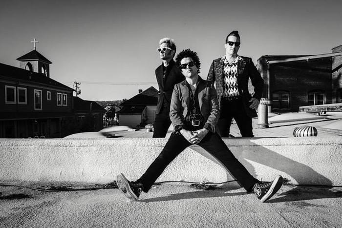 GREEN DAY、ニュー・シングル『BANG BANG』を8/11に急遽リリース決定!Billie Joe Armstrong(Vo/Gt)のTwitterで明らかに!