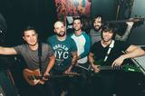 AUGUST BURNS RED、最新アルバム『Found In Far Away Places』より「Majoring In The Minors」のライヴMV公開!