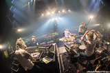 """MAN WITH A MISSION、ニュース・ショー×ライヴのスペシャル・イベント""""WOWGOW LIVE SHOW""""の模様を10/15にWOWOWにてオンエア決定!"""