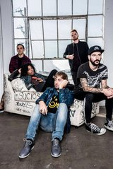 ISSUES、2ndアルバム『Headspace』より「Slow Me Down」のMV公開!