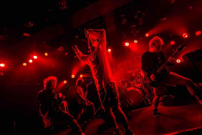 SHADOWS、4/26に1stフル・アルバムのリリース決定! シングル+ライヴDVD作品『Chain Reaction』のジャケット&ティザー映像も公開!