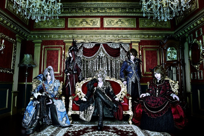 Versailles、2/14開催の日本武道館ワンマンにてニュー・アルバム『Lineage ~薔薇の末裔~』の数量限定販売が決定!