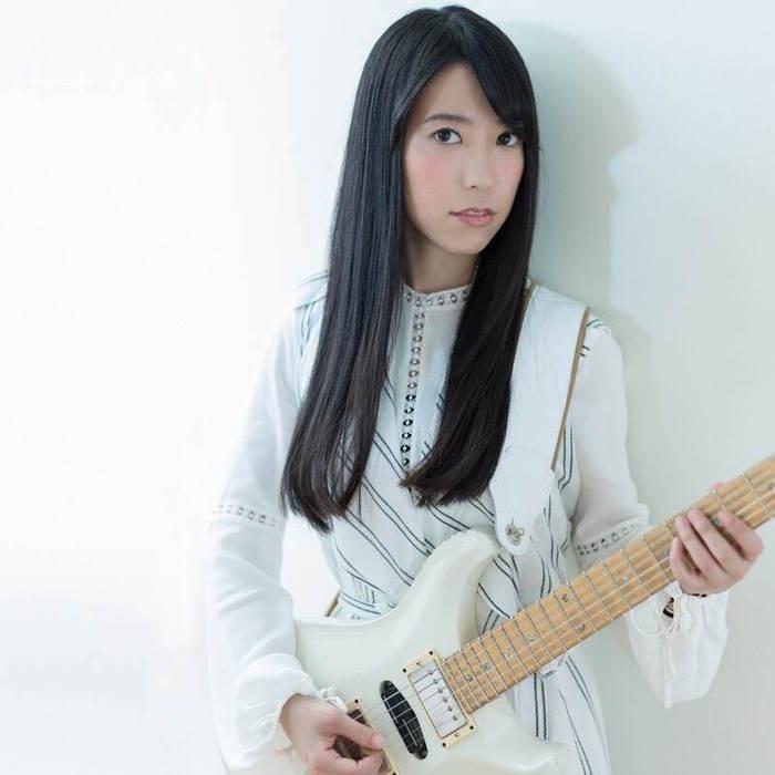 """Mary's Bloodなどのサポートで活躍する女性ギタリスト""""YASHIRO""""、5/10に1stソロ・アルバム『Astraia』リリース決定!"""