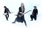 逆輸入3ピース・エクストリーム・メタル GYZE、3/29にリリースするニュー・アルバム『Northern Hell Song』より「The Bloodthirsty Prince」のMV公開!