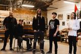 UK発メタルコア・バンド WHILE SHE SLEEPS、4/26リリースのニュー・アルバム『You Are We』より「Feel」のリリック・ビデオ公開!