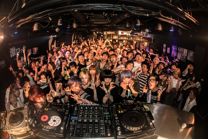 準レギュラーDJのわかぴく(偶想Drop)も出演!東京激ロックDJパーティーは大盛況で終了!次回は6/10(土)、7/15(土)開催決定!
