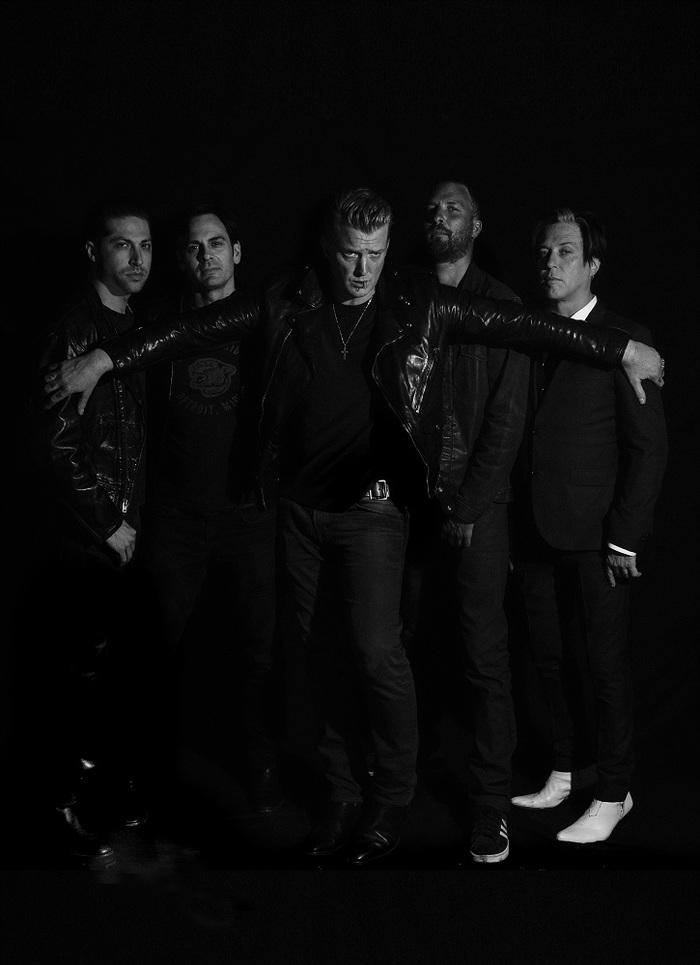 フジロックで来日するQUEENS OF THE STONE AGE、4年ぶりとなるニュー・アルバム『Villains』のトレーラー映像公開!