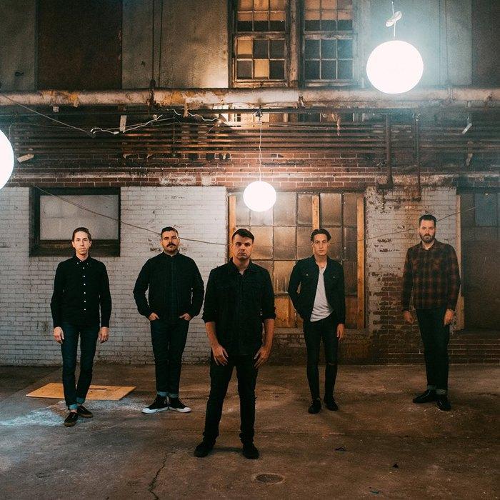 カナダ発のポスト・ハードコア・バンド SILVERSTEIN、ニュー・アルバム『Dead Reflection』より「Mirror Box」の音源公開!