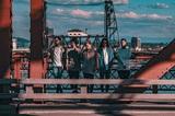 Survive Said The Prophet、明日8/2リリースの3rdアルバムより116人のエキストラが参加した「Listening」MV公開!
