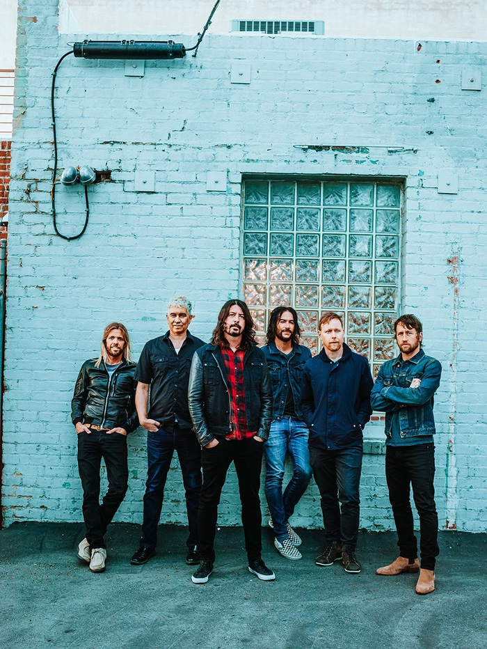 FOO FIGHTERS、イギリスのラジオ番組にて披露した「The Sky Is A Neighborhood」&「Best Of You」パフォーマンス映像公開!