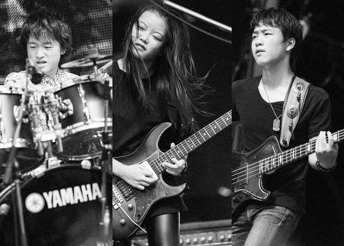 """平均年齢15歳の3ピース・ヘヴィ・メタル・インスト・バンド""""ASTERISM""""、デビュー作より「155」&「Bark at the Moon」を収録したサンプラーCD付き激ロックマガジン10月号が数量限定で配布スタート!"""