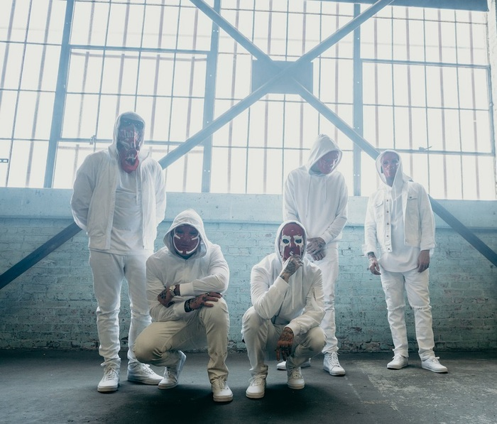 HOLLYWOOD UNDEAD、今月リリースするニュー・アルバム『V』より「Renegade」のMV公開!