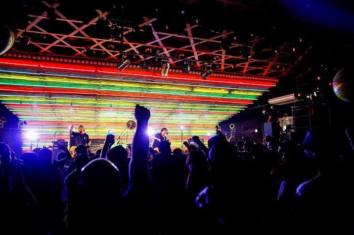 結成20年を迎えたスカ・パンク・バンド OVER LIMIT、12/6リリースのベスト・アルバム『THE BEST』のジャケット公開!