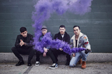FALL OUT BOY、1/19リリースのニュー・アルバム『M A N I A』より「Wilson (Expensive Mistakes)」、「Hold Me Tight Or Don't」のライヴ・パフォーマンス映像公開!