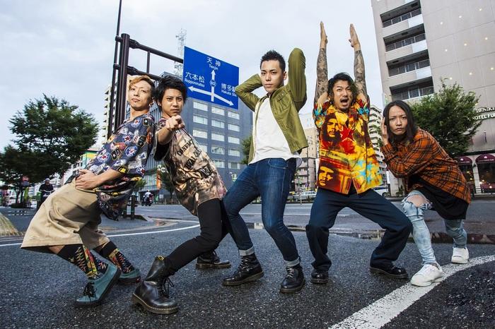 彼女 IN THE DISPLAY、2/12開催の地元福岡でのメジャー・デビュー記念ワンマン・ライヴにXmas Eileen出演決定!