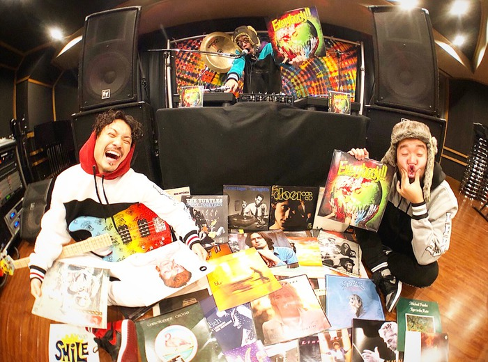 WANIMA、3/9に初のアナログ作品リリース決定!メジャー1stフル・アルバム 『Everybody!!』 が2枚組アナログ・レコードに!