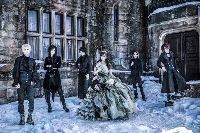 歌姫JULIA擁する美しきシンフォニック・メタル・バンド CROSS VEIN、3/21リリースのニュー・アルバム『Gate of Fantasia』ジャケ写&新アー写公開!