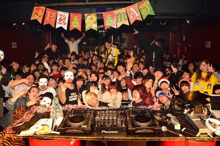 Xmas Eileen、DJ飯の種 aka 赤飯(オメでたい頭でなにより)も出演した12/16大阪激ロックDJパーティー、写真満載レポートをアップ!