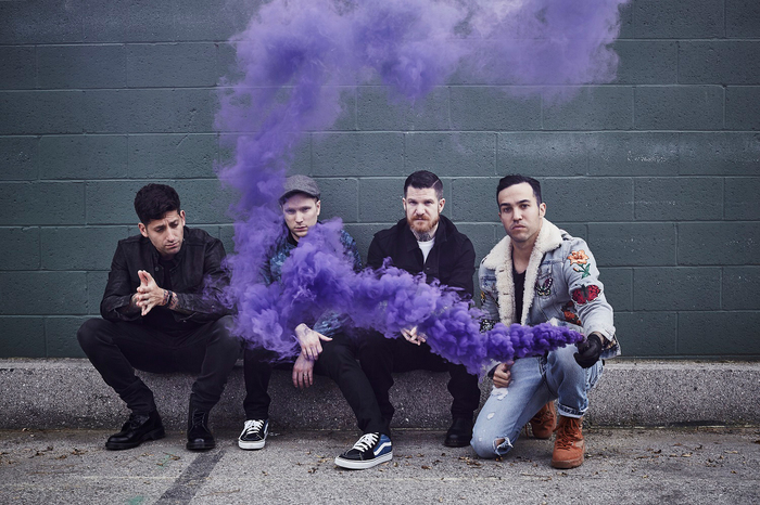 FALL OUT BOY、ジャパン・ツアー大阪公演にFear, and Loathing in Las Vegas、武道館公演にMY FIRST STORYがサポート・アクトとして出演決定!