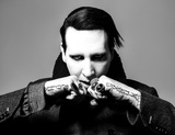 MARILYN MANSON、最新アルバム『Heaven Upside Down』よりCourtney Love出演の「Tattooed In Reverse」MV公開!