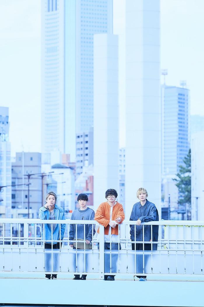 """BLUE ENCOUNT、ファッション・ウォッチ・ブランド""""WIRED""""とのコラボMV「コンパス」公開!""""タイムラプス""""で東京の空を縦横無尽に駆け巡る!"""