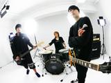"""高田雄一(ELLEGARDEN/MEANING)が新バンド""""MAYKIDZ""""結成!5/26に1stアルバム『9/Theories』リリース&ワンマン決定!トレーラー&「Hide And Seek」MV公開も!"""