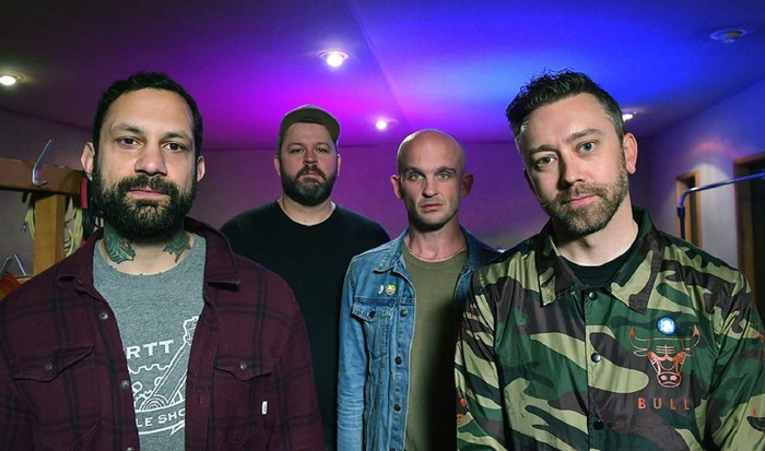 RISE AGAINST、新曲「Broadcast[Signal]Frequency」MV公開!
