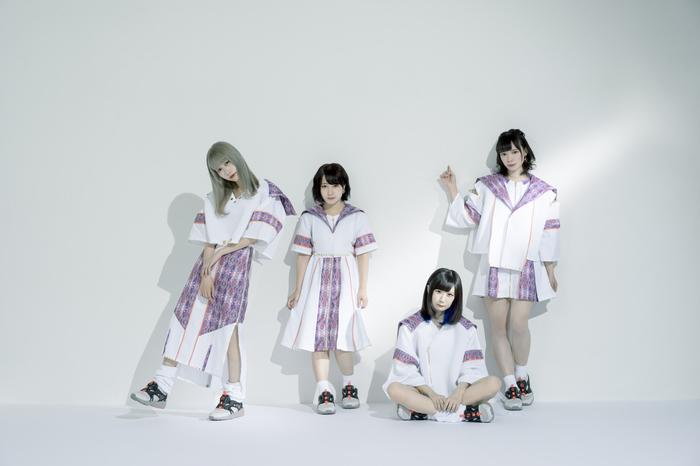"""""""neo tokyo""""をコンセプトに活動するアイドル・グループ uijin、9/5にタワレコ限定カセットテープ・シングル『so main / all need』リリース決定!"""